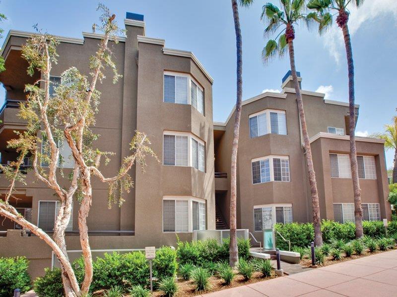 Hillcreste Apartment Homes, Los Angeles - Landscape